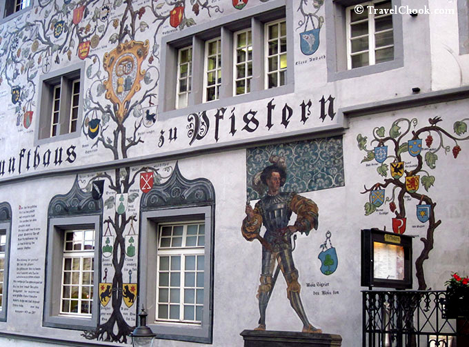 painted-buildings-lucerne