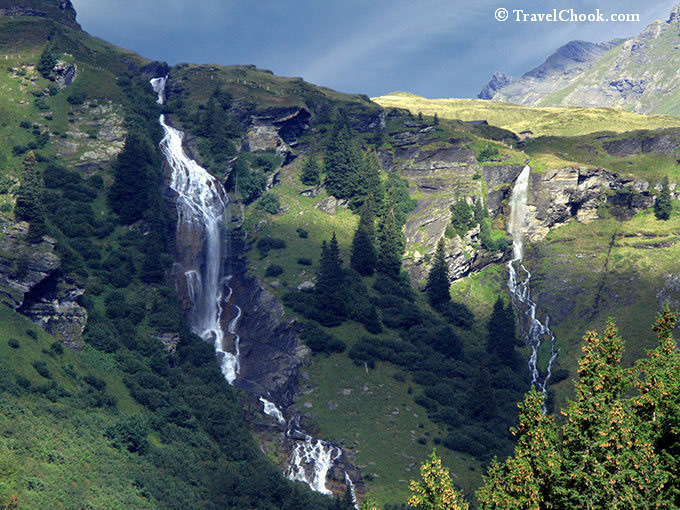Waterfall-Grindelwald