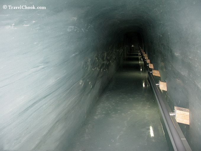 ice-tunnel-at-Jungfraujoch