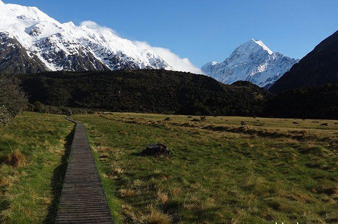 Mt Cook hiking trail